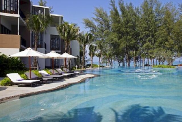 安纳塔拉度假会还在普吉岛迈考酒店推出了引人入胜的